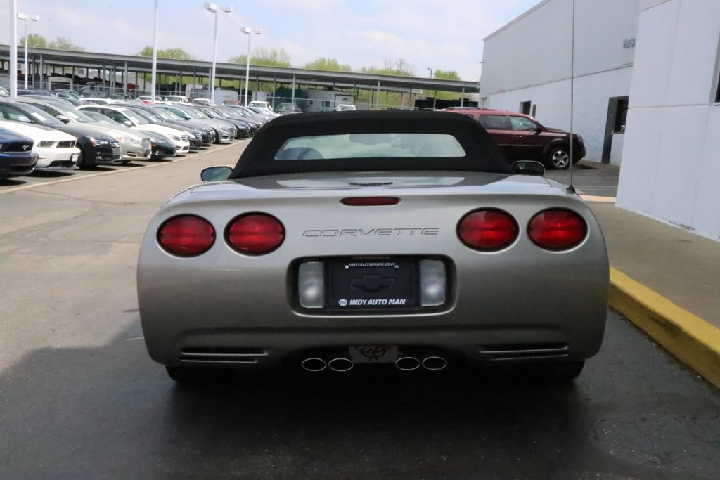 Pre-Owned 2001 Chevrolet Corvette Base