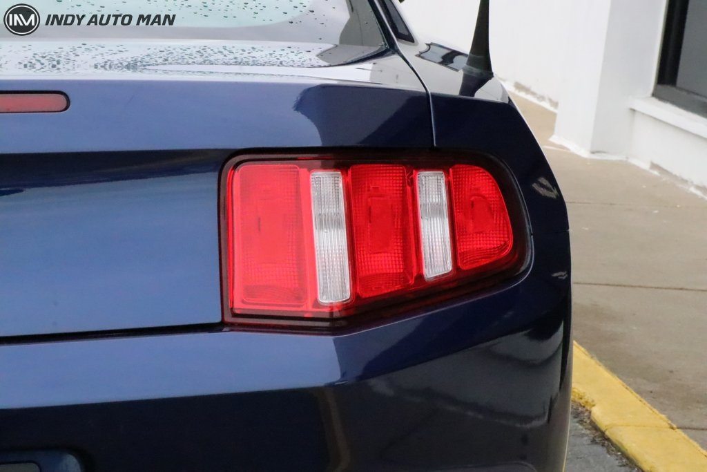 Pre-Owned 2012 Ford Mustang V6