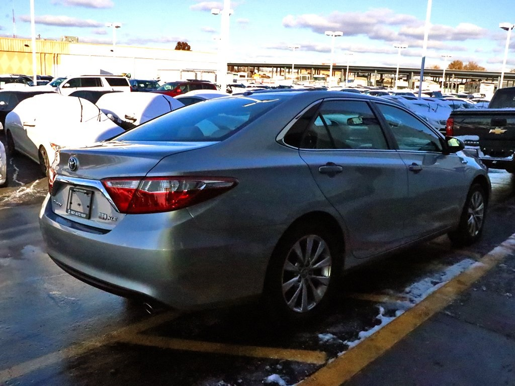Pre-Owned 2015 Toyota Camry Hybrid XLE