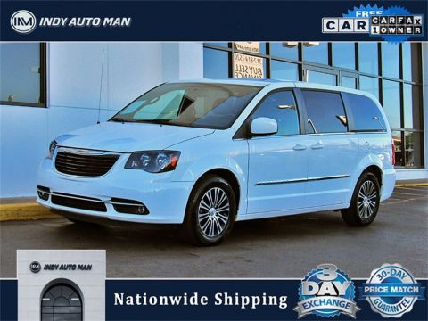 Pre-Owned 2014 Chrysler Town & Country S With Navigation