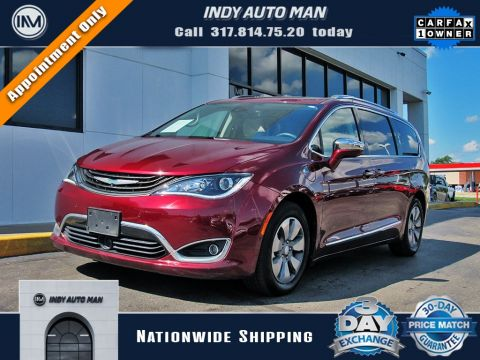 2017 Chrysler Pacifica Hybrid Platinum With Navigation in Indianapolis, IN